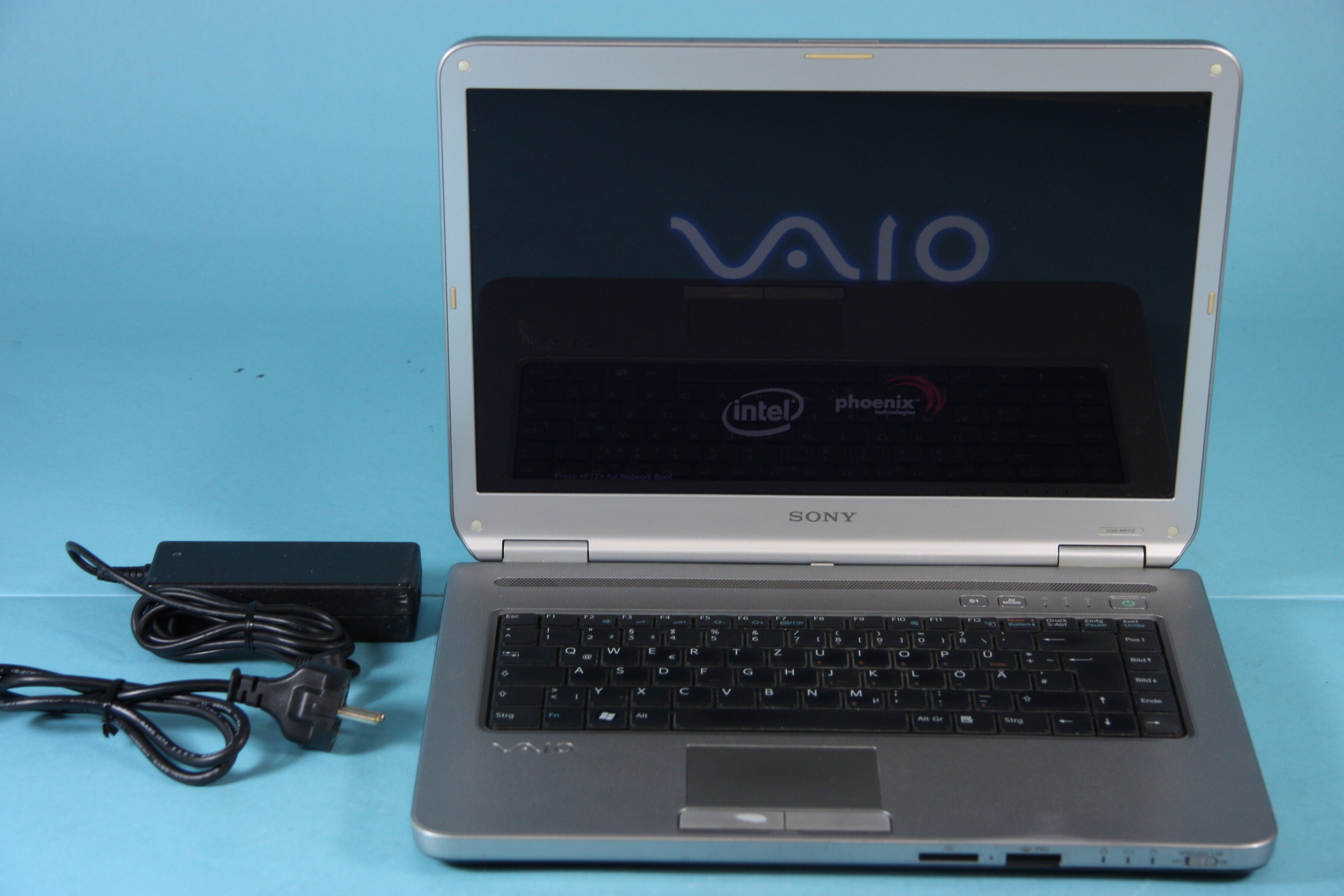 sony vaio vgn nr11z 15 4 2 0 ghz 2 gb ram 200 gb hdd vom h ndler. Black Bedroom Furniture Sets. Home Design Ideas