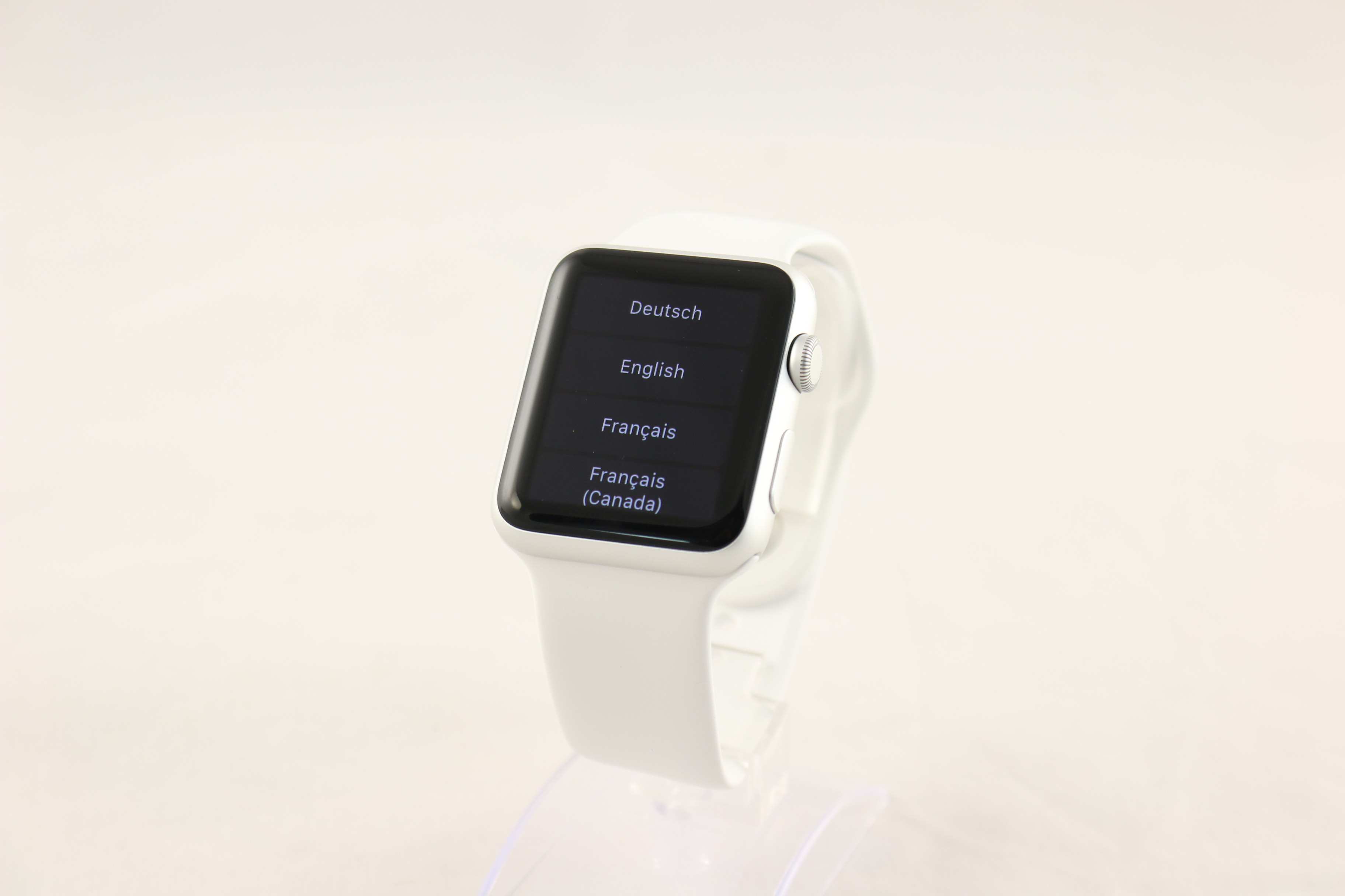 apple watch sport 42mm aluminium case white sportarmband. Black Bedroom Furniture Sets. Home Design Ideas